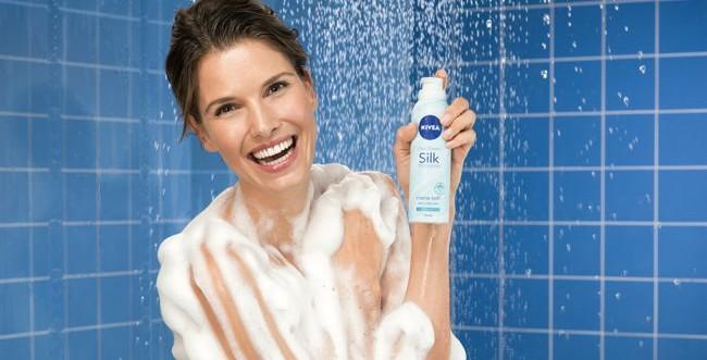 NIVEA lansează o nouă spumă de duș în 3 variante: Creme Care, Creme Soft și Creme Smooth