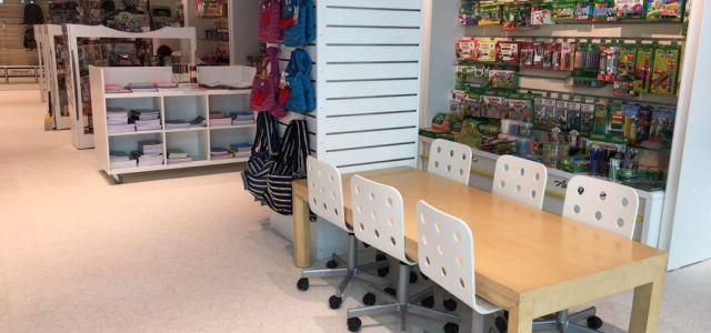Vector a deschis al cincilea magazin Autograf în Sun Plaza