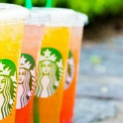 Starbucks Summer Love Frappuccino sau limonadă cu mango și ceai negru?