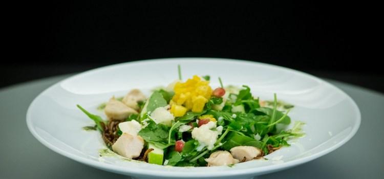 """Salată cu viermi în farfuriile juraților """"Chefi la cuțite"""""""