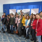 """MOL România oferă tinerilor din medii defavorizate posibilitatea de a obţine """"Permis pentru viitor"""""""