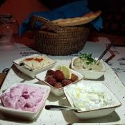 Octopus Eat Greek, restaurantul care îți reamintește de vacanțele din Grecia