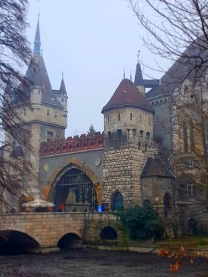 Castelul Vajdahunyad