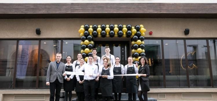 """Starbucks a deschis o cafenea """"specială"""" pe Lipscani – Galerie FOTO"""