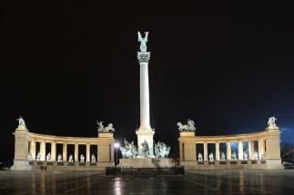 hereos_square_budapest