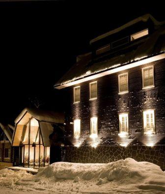 kimaya-boutique-hotel-exterior-building-night-view-k-01-x2
