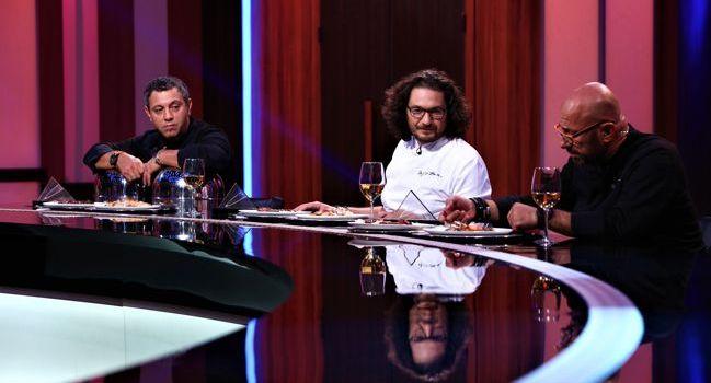 """Cuțitul de aur, o nouă regulă la """"Chefi la cuțite"""""""