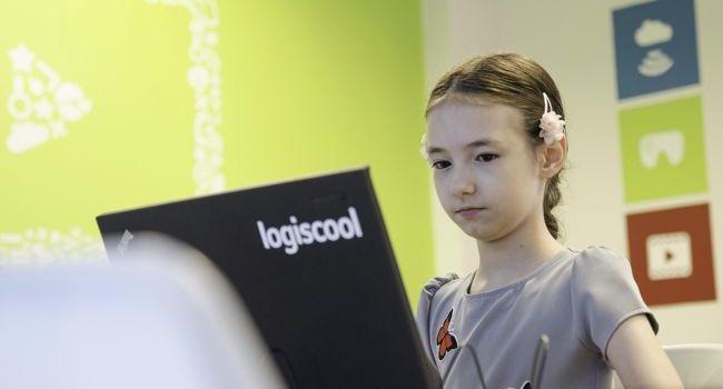 Ce skill-uri dobândesc copiii care încep încă de mici să învețe programare