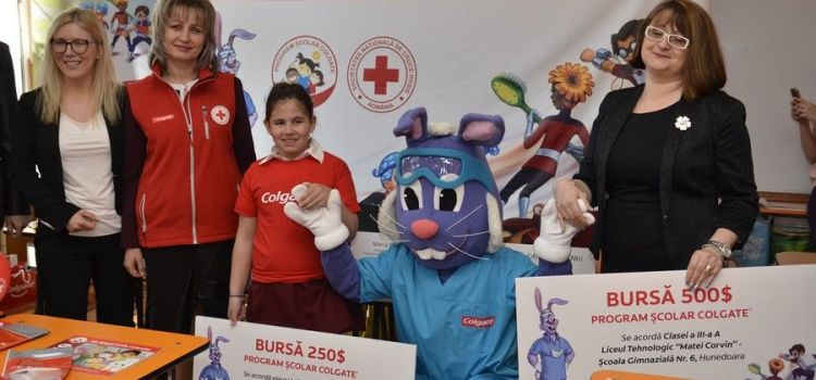 Programul Școlar Colgate: o fetiță din Hunedoara, unul dintre câștigătorii competiției internaționale de desene My Bright Smile