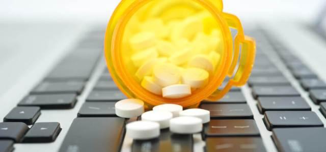 Farmaciile pot vinde de azi medicamente OTC și în mediul online