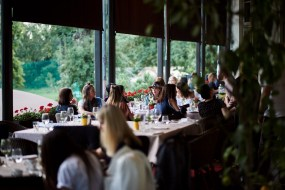 restaurant diplomat party (11)