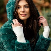 Esentialul pentru sezonul rece: propunerile de paltoane, pardesie si jachete reversibile Sense