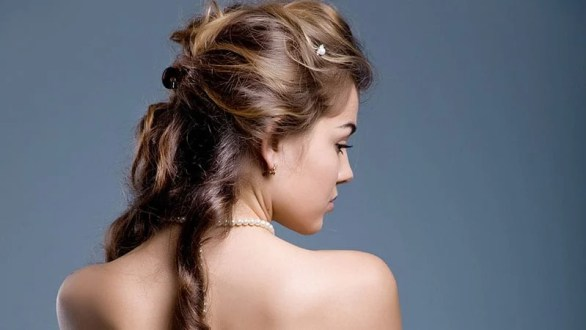 Curled Half-Up Style