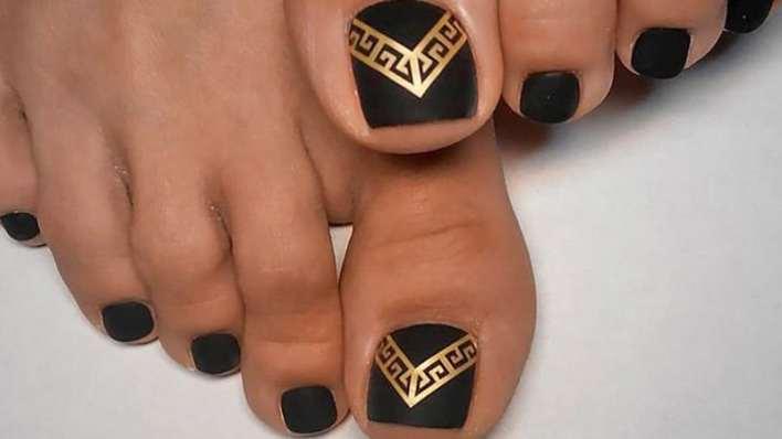 Black and Gold Toenails
