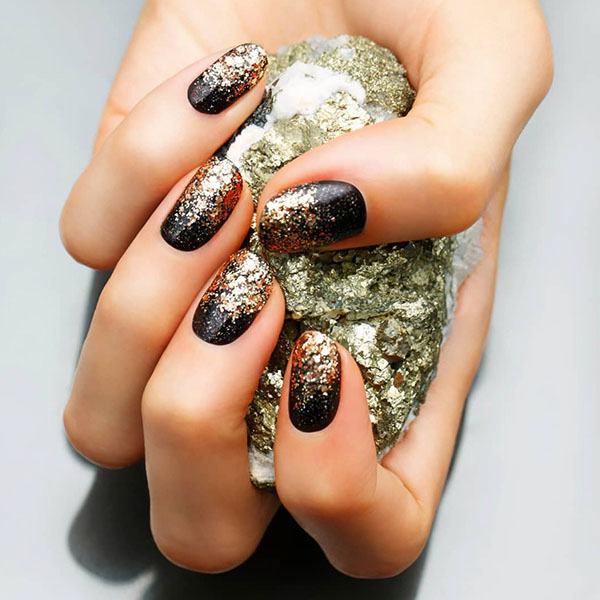 Gold Flakes Luxury Nails