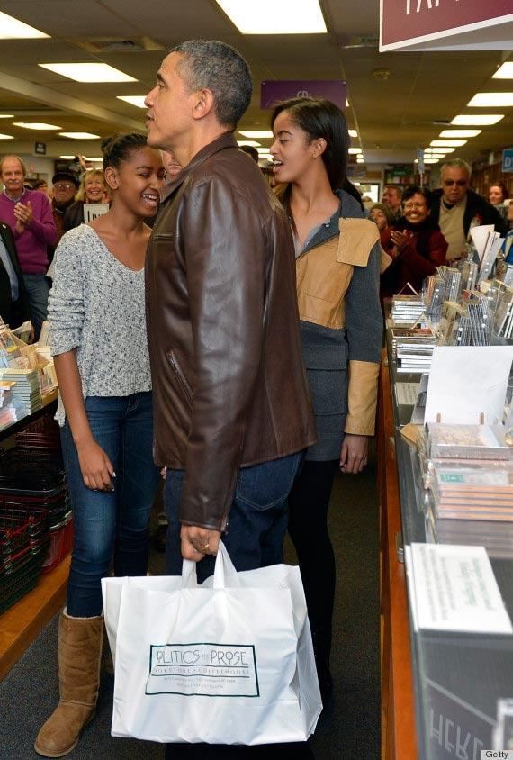 President Obama Shops for Books With Daughters Malia and Sasha