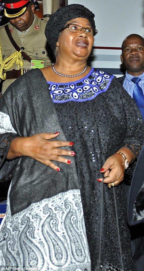 Malawi's President Joyce Banda (right) arrive at Waterkloof