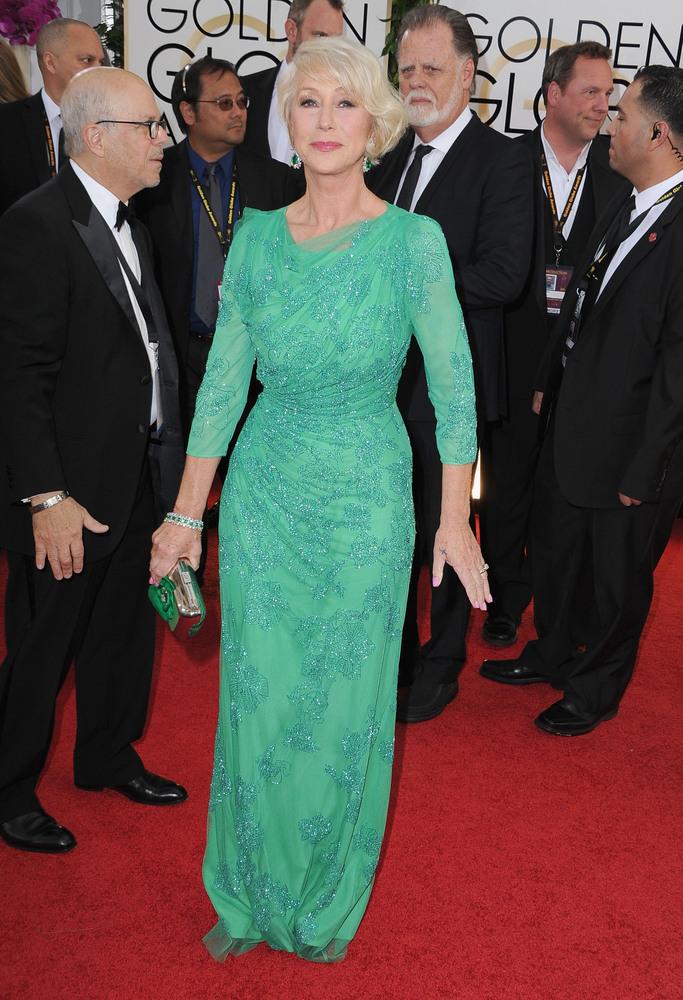 Helen Mirren in Jenny Packham, Roger Vivier, Boite de Nuit Fleur, Bulgari