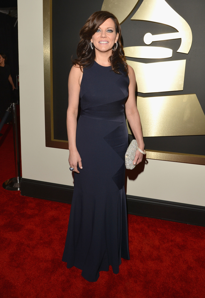 Martina McBride in David Meister, Oroton and John Hardy