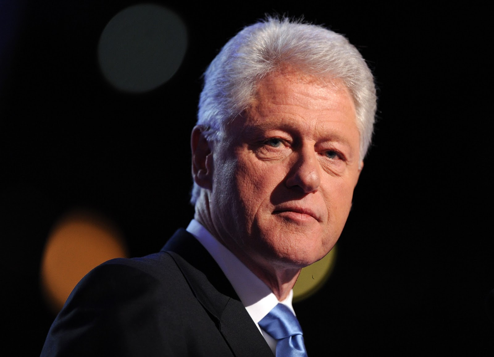 Wow Bill Clinton Had A Year Long Affair With British Model Liz Hurley DETAILS The Trent