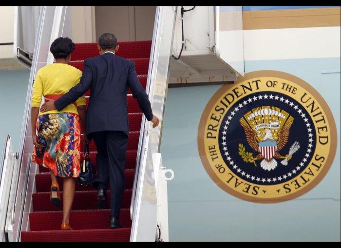 Obama PDA moment THe Trent 222