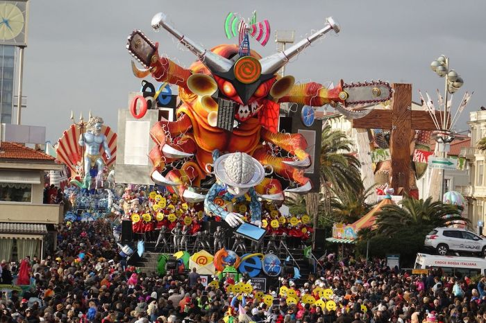 Viareggio Carnival is famous for its huge moving floats (Photo Credit: Daily Mirror)