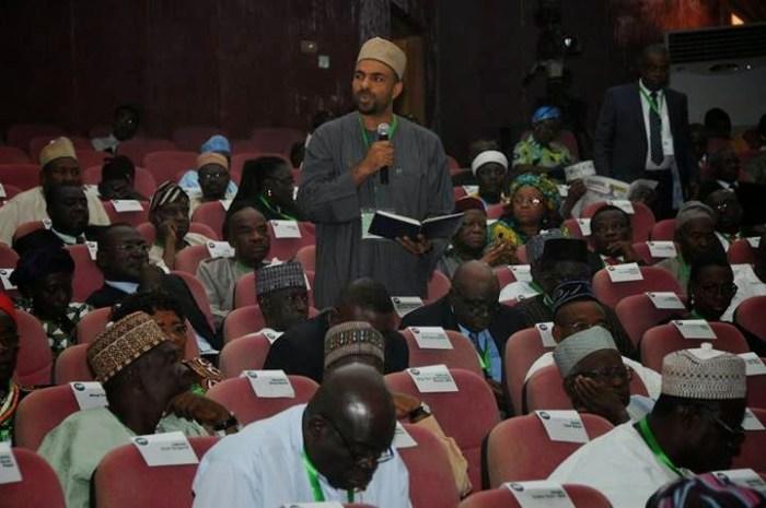 Alhaji Nurudeen Lemu presenting his speech at the National Conference
