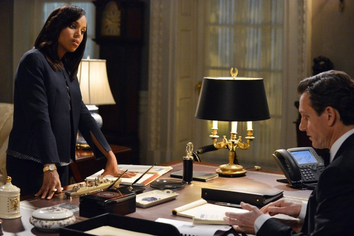 """SCANDAL - """"We Do Not Touch the First Ladies"""" - Old feelings and jealousies arise at a Presidential event causing Fitz to face a harsh reality. Meanwhile, Quinn tries to prove herself to B613 and Leo Bergen sets up a meeting between Sally and an old friend, on ABC's """"Scandal,"""" THURSDAY, MARCH 6 (10:00-11:00 p.m., ET) on the ABC Television Network. (Photo Credit: ABC/Eric McCandless)"""