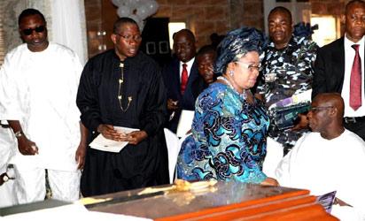 Former President Olusegun Obasanjo, Dame Patience Jonathan, President Goodluck Jonathan and Mr.Femi Otedola, Managing Director, Forte Oil. (Photo Credit: Vanguard)