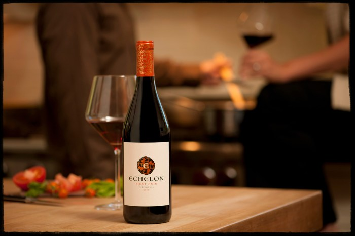 echelon_wine_kitchen__couple_rt_1