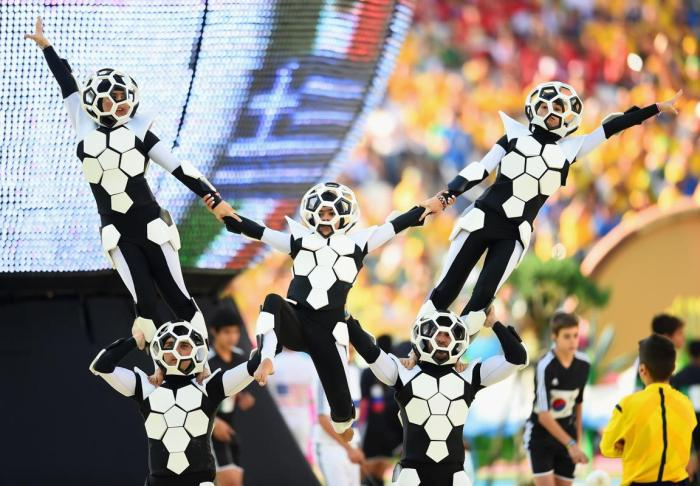 Ball Artists Perform at the opening