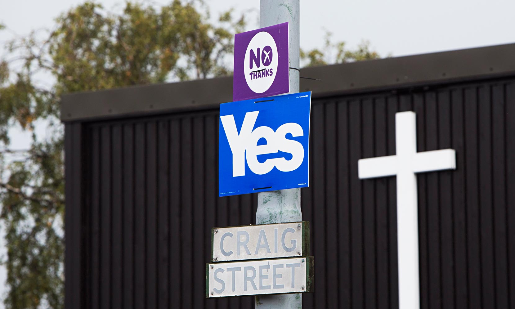 Yes-and-No-campaign-signs-014