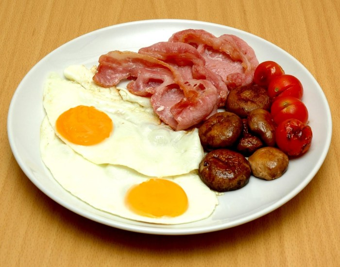 Low carbohydrate breakfast