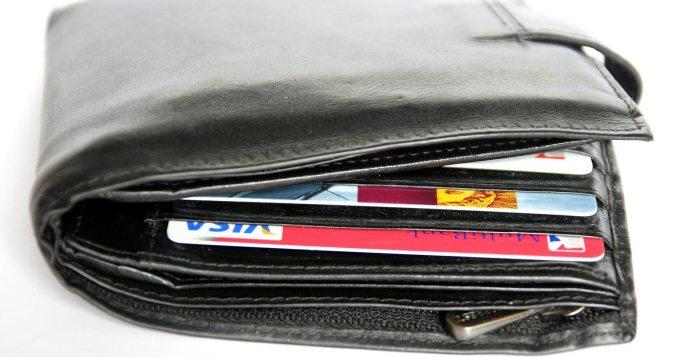 wallet right