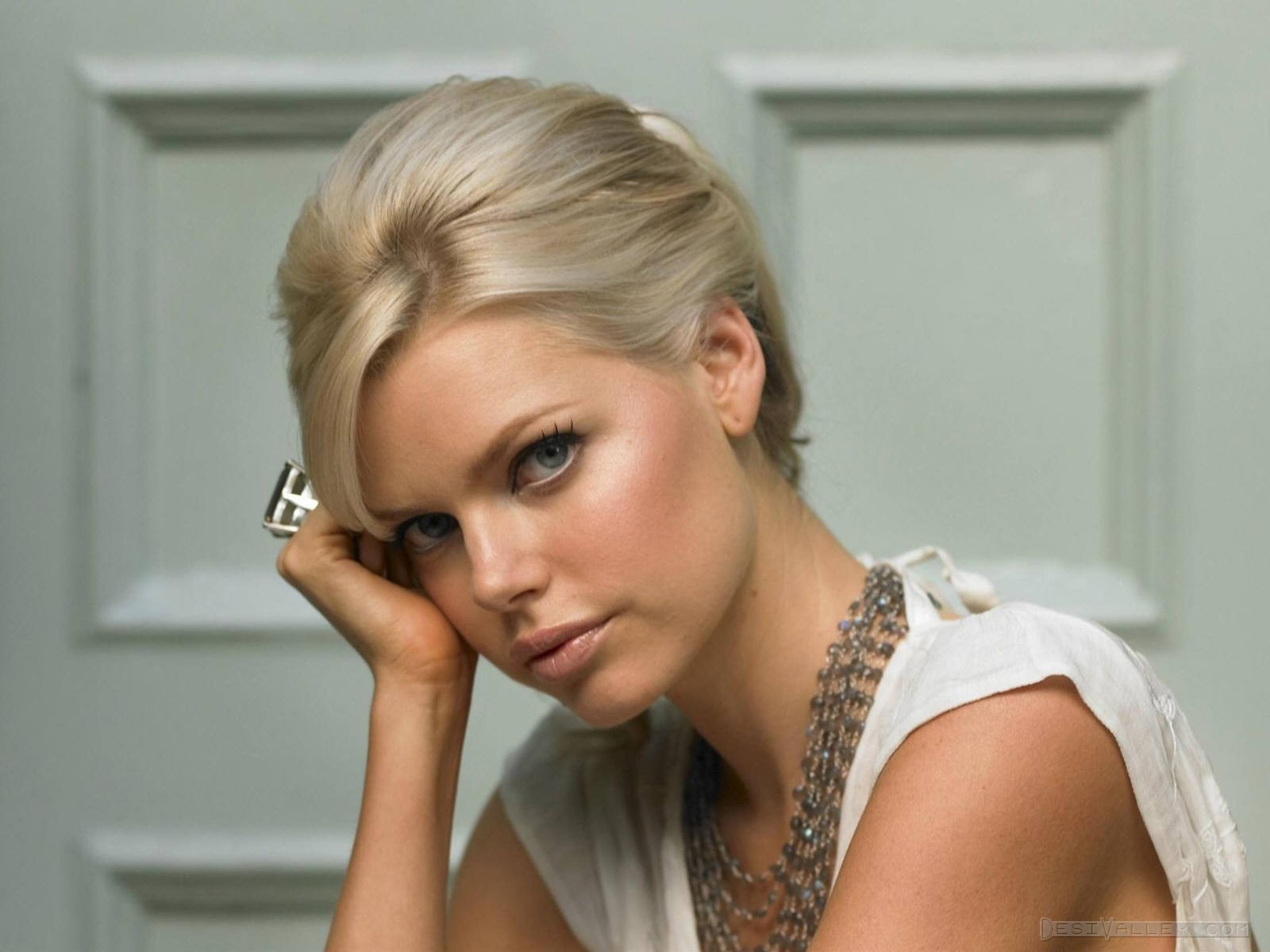 Lets Get Real Actress Sophie Monk Poses Completely -2771