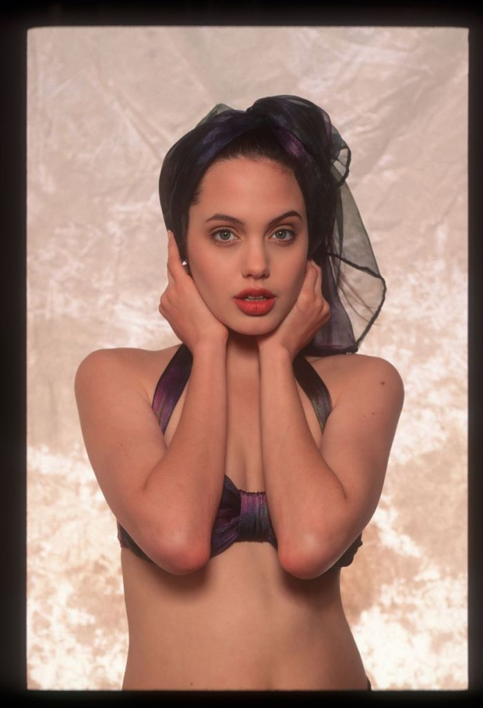 Angelina Jolie as an aspiring model at age 16 in a photo shoot by Sean McCall in 1991 (Photo credit: Mirror UK)