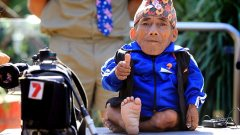 World's shortest man, Chandra Bahadur Dangi, has died of pneumonia at the age of 75.