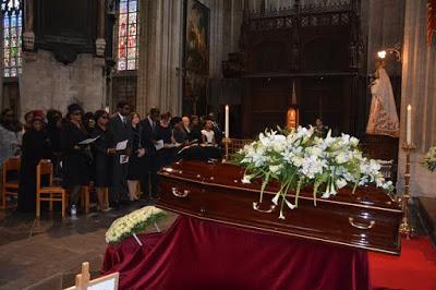 Deinde-Fernandez-Burial-9