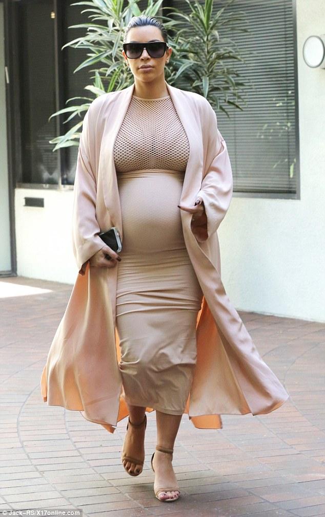 Kim-Kardashian-Bump-1