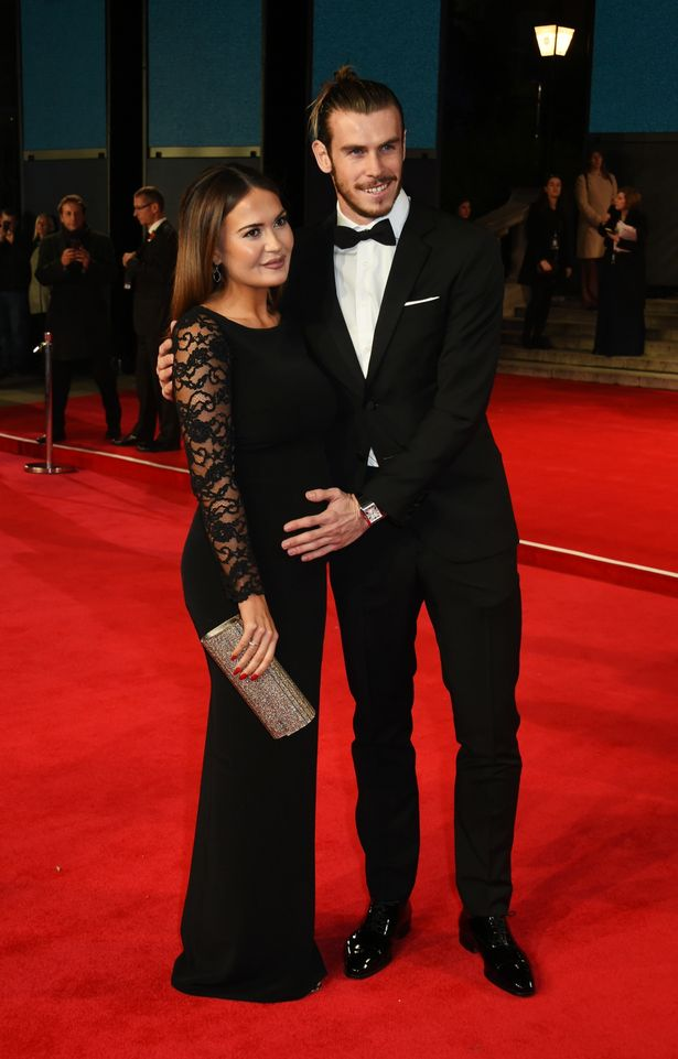 Gareth-Bale-and-Emma-Rhys-Jones-attend-the-Royal-World-Premiere-of-Spectre-at-Royal-Albert-Hall (1)