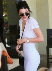 Kendall-Jenner-nipple-piercing (2)