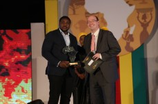 Olufunbi Falayi, Winner The Future Awards Africa Prize in Enterprise Support. #TFAA10 | RED