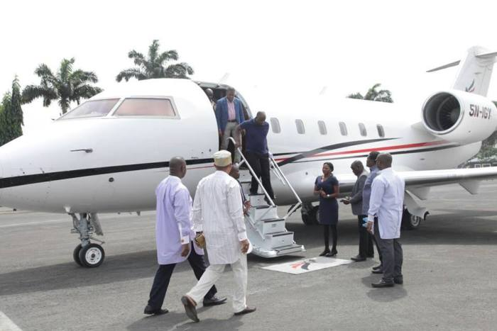 Minister of Transport, Rotimi Amaechi arriving Port Harcourt, Rivers State in a private jet on Sunday, January 3, 2016 | Marshal Obuzor/Facebook