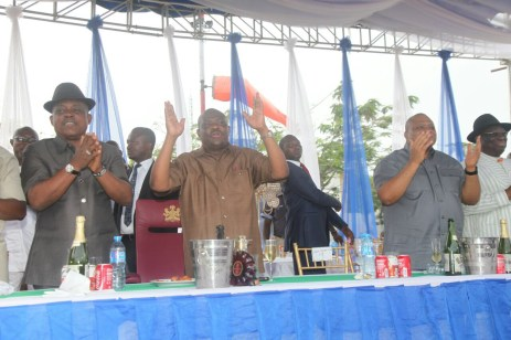 Governor Nyesom Wike leads a praise session to the Almighty for grace granted the party in Rivers over the weekend. The party won the legislative rerun elections which held on March 19, 2016 | Oraye St. Franklyn