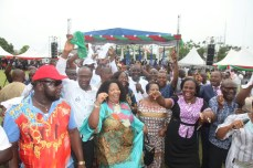Spirit of David: A PDP chieftain leads a praise and dance session at the thanksgiving session for victory at Rivers legislative rerun elections held on March 19, 2016 | Oraye St. Franklyn