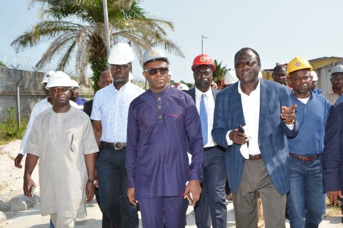 Dr. Ibe Kachikwu (middle in sun glasses)