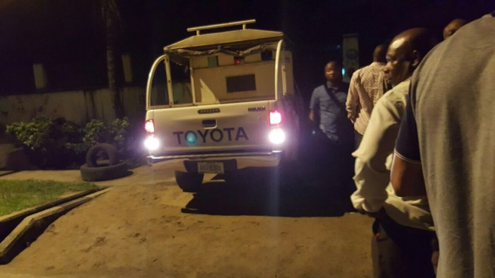 The patrol van meant for the failed abduction in front of number 35 Forces Avenue after a failed attempt by the police to abduct a Federal High Court judge by 1am on saturday 8th October, 2016.