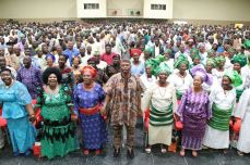 Governor Olusegun Mimiko pictured with stakeholders of the People's Democratic Party, PDP at a meeting on Sunday, Nov 6, 2016 at The DOME, Akure