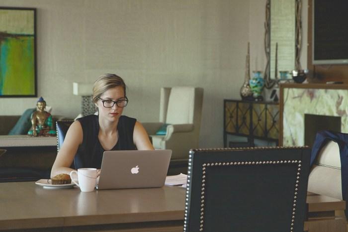 laptop office website development