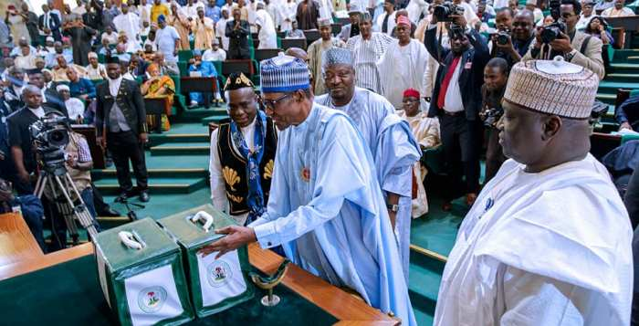 Muhammadu Buhari, Budget, Passage